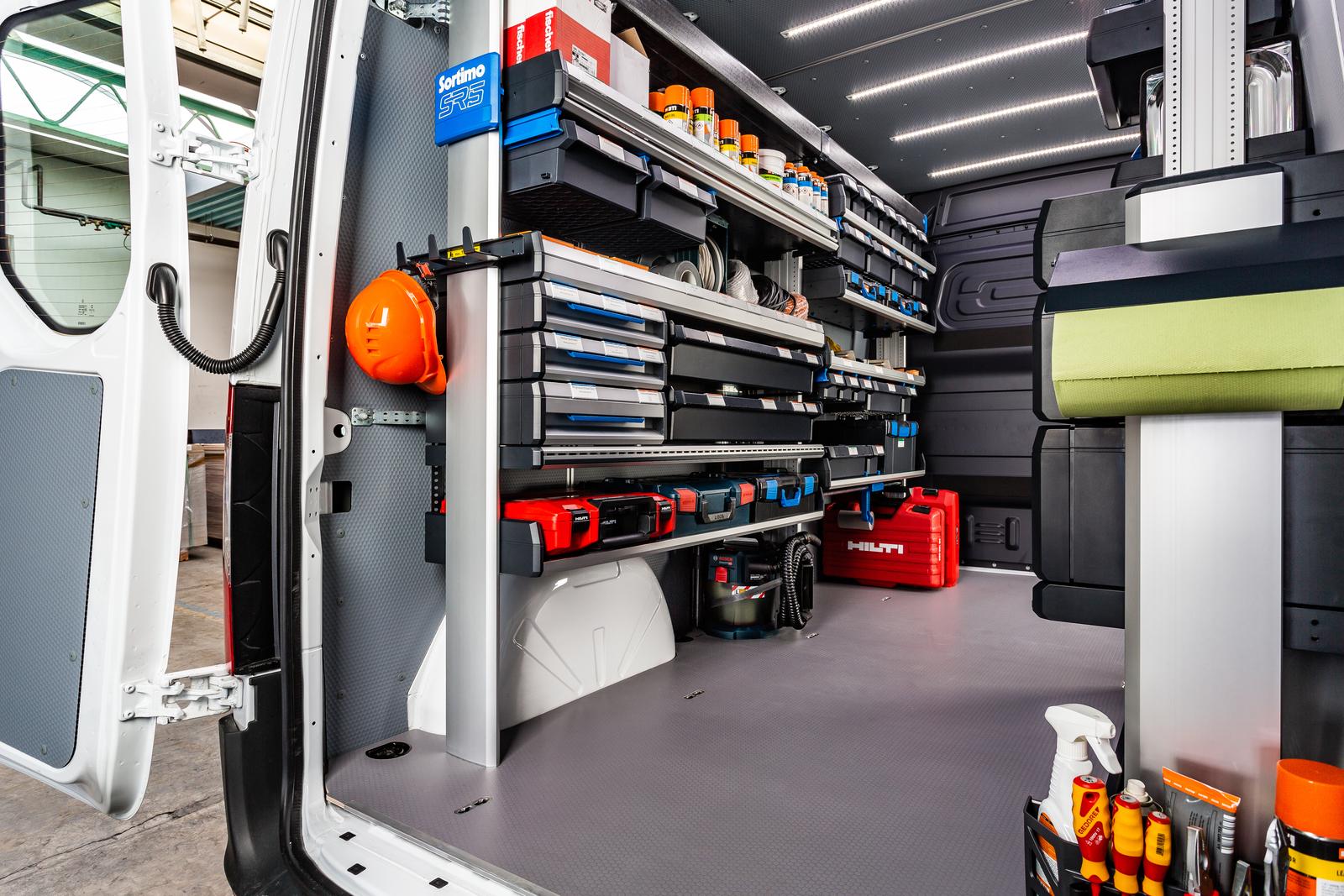 Fordonsinredning – stuva undan och transportera verktyg och material på ett säkert sätt